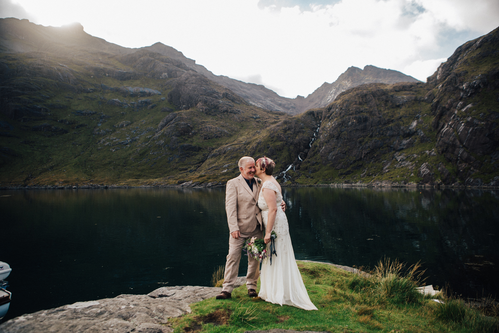 Bride and Groom at Loch na Culice back to Cuilin